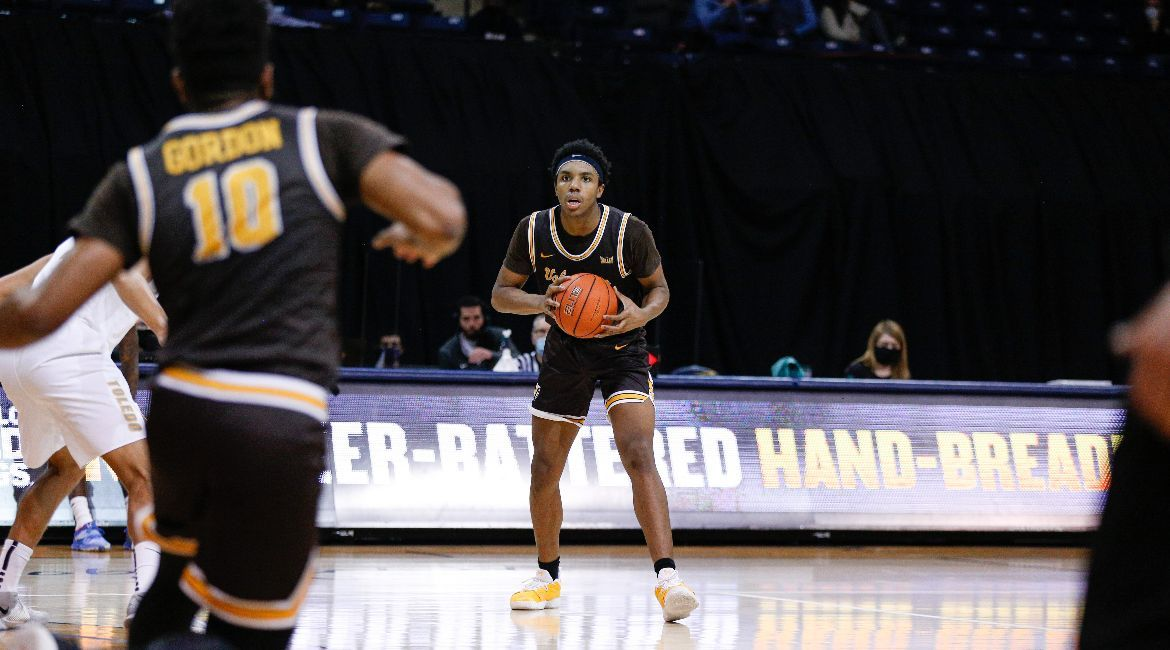 Sophomores Lead Charge in Setback at Toledo