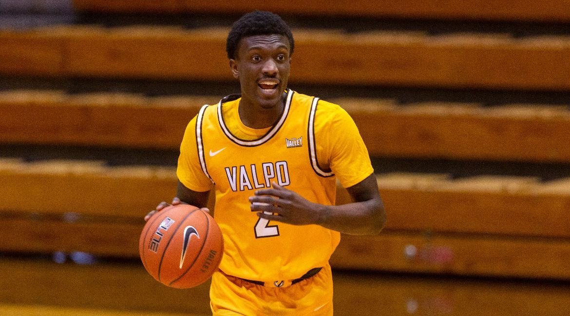 Valpo Comes Up Narrowly Shy in Memorable Battle at Nationally-Ranked Loyola