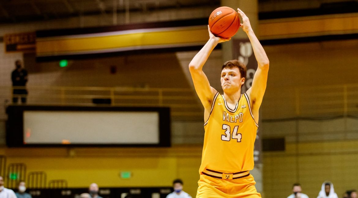 Valpo Downs Indiana State, Clinches First-Round Bye in MVC Tournament