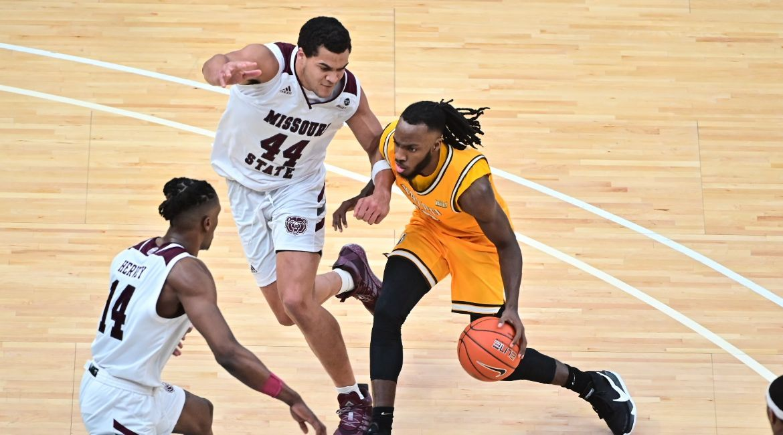 Valpo Men's Basketball Season Comes to Close on Friday Night