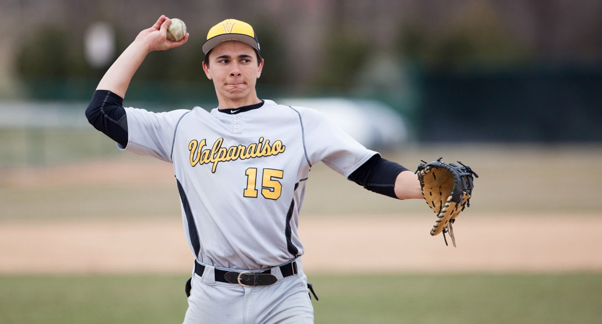 Bats Break Out as Valpo Downs Chicago State