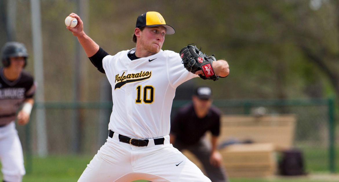 Fritze Leads Valpo to 5-0 Series-Clinching Victory