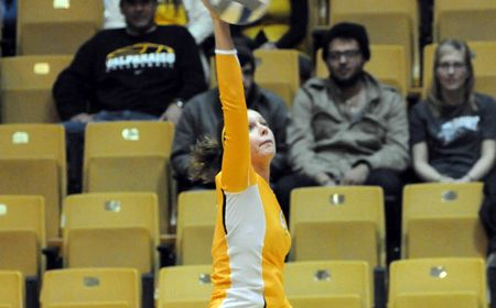 Valpo Cruises to Sweep Over Chicago State
