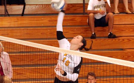 Crusaders Open League Play With Sweep at Youngstown State