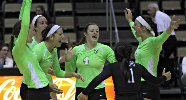 Crusader Volleyball Hosts Popcorn Classic This Weekend