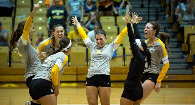 Crusaders Claim Popcorn Classic Title; Match Best Start in School History