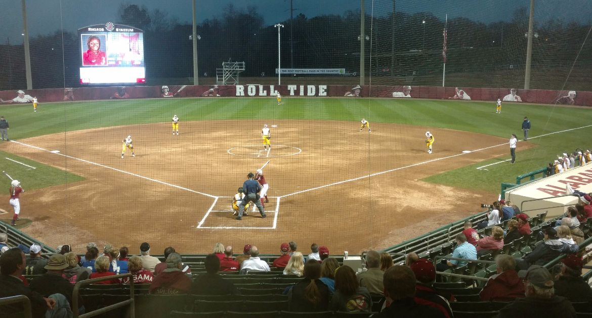 Crusaders Edged By Top-Ten Alabama Squad Wednesday
