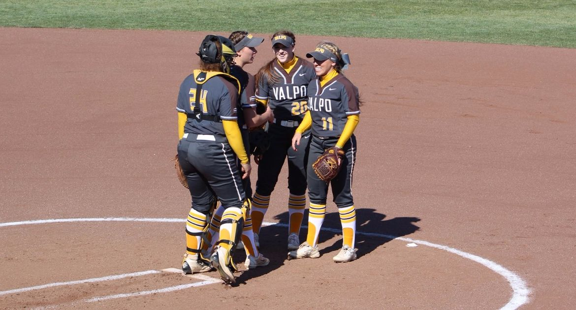 Valpo Softball Continues Road Stretch With Four Games This Week