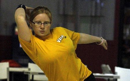 Valpo in Eighth Place After Second Day of Hawk Classic