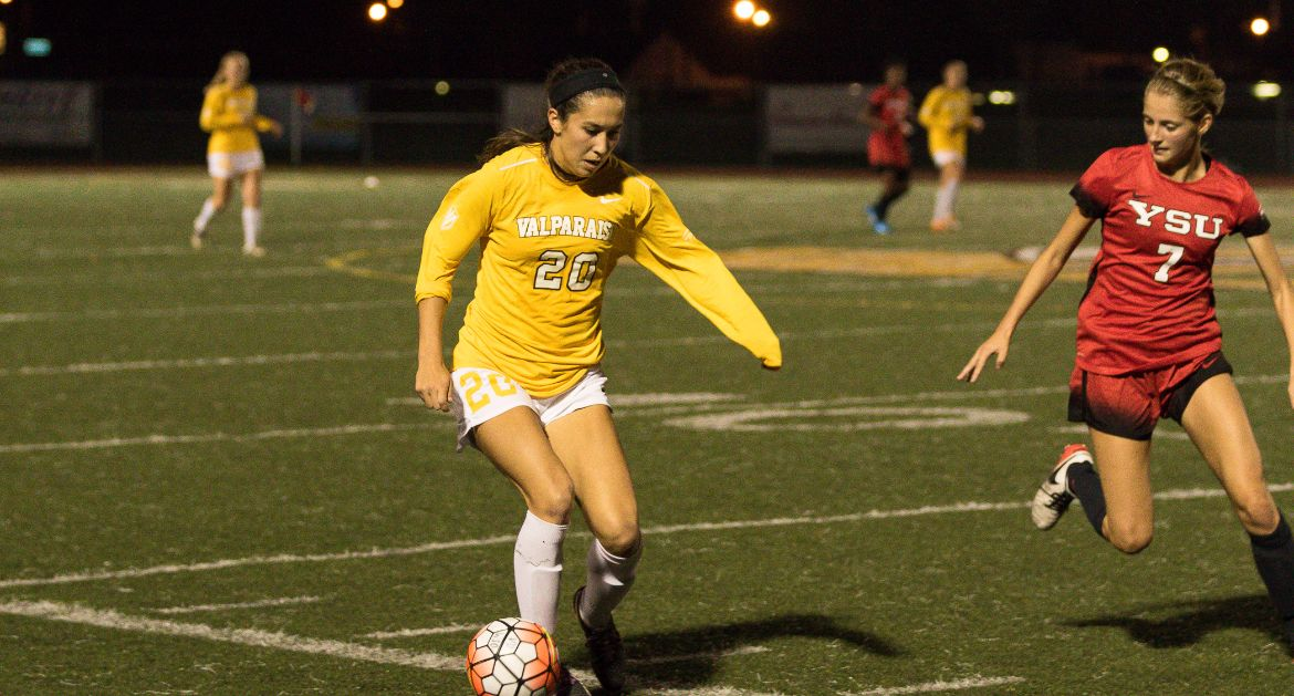 Women's Soccer Earns Key Win in Extra Time at UIC