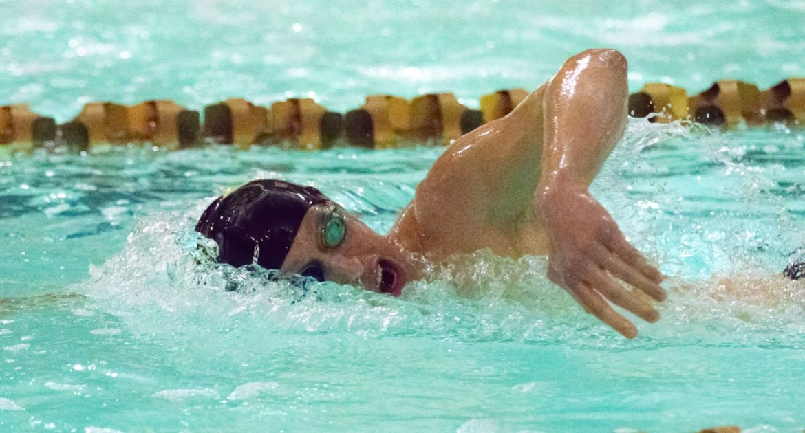 Valpo Men's Swimming Earns Win at YSU Saturday