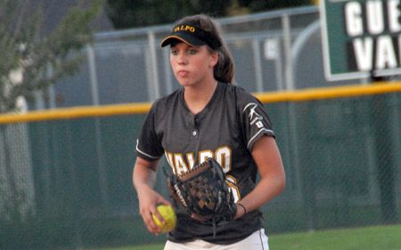 Crusader Pitching Dominates as Valpo Sweeps Pair Tuesday