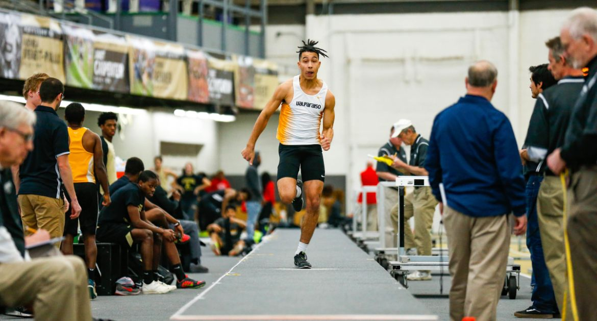 Track & Field Concludes Indoor Schedule at MVC Championships