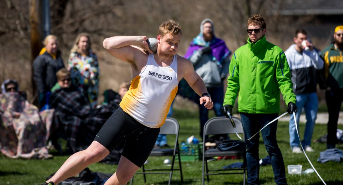 Track & Field Opens Busy Weekend in Hillsdale, Louisville