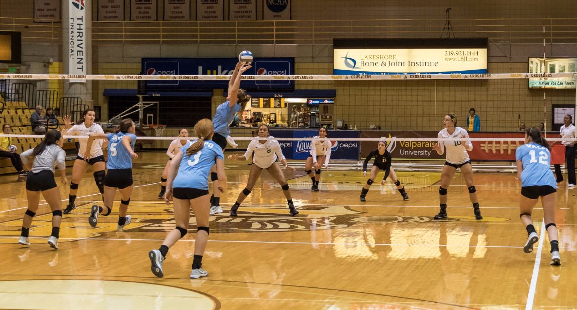 Volleyball Drops League Battle With Cleveland State