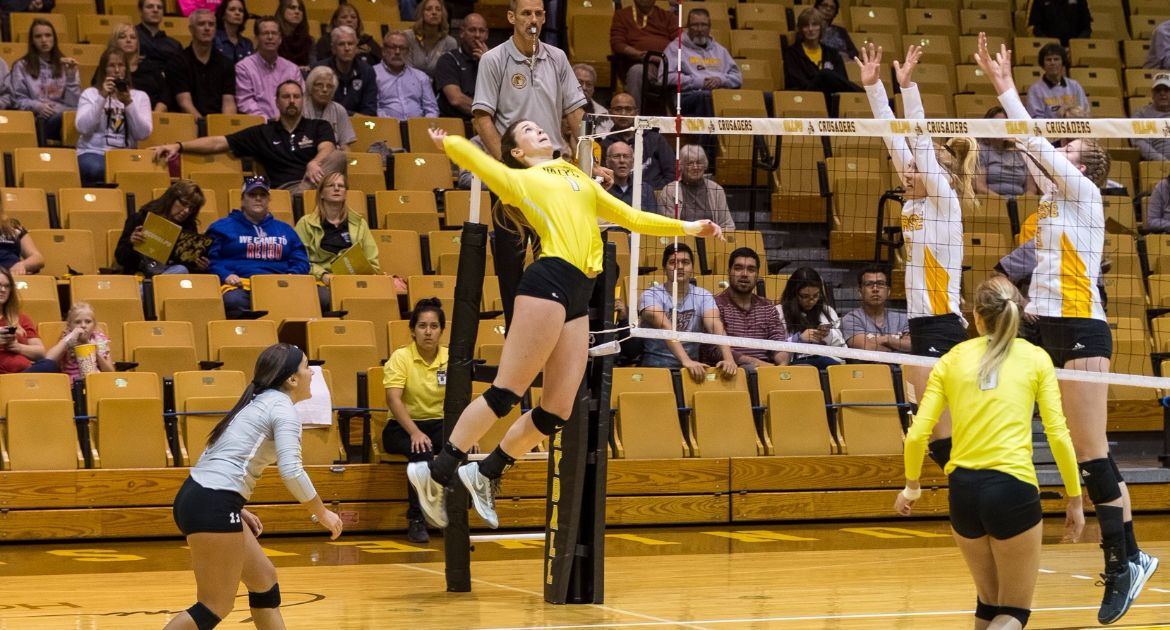 Volleyball Earns Four-Set Win Over Youngstown State