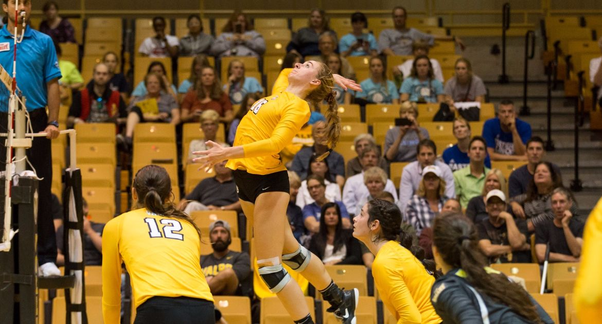 Volleyball Takes Down EIU In Home Opener
