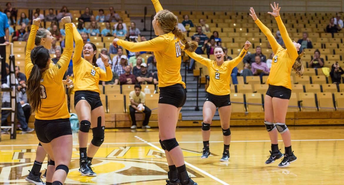 Volleyball Continues MVC Play Sunday at Loyola