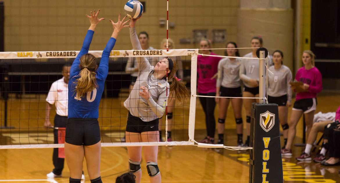 Volleyball Sweeps Fort Wayne Tuesday Night