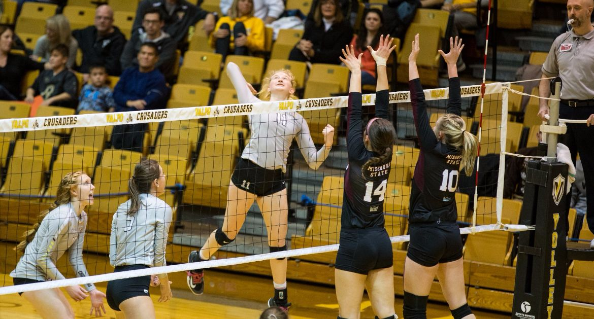 Crusaders Secure Spot in MVC Tournament Friday; Fall to #25 Missouri State