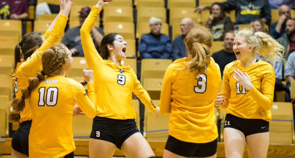 Volleyball Heads to MVC Tournament