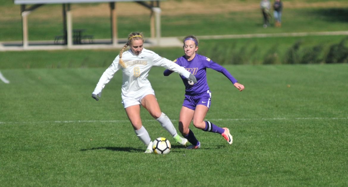 Women's Soccer Falls in Final Road Match of Season Saturday