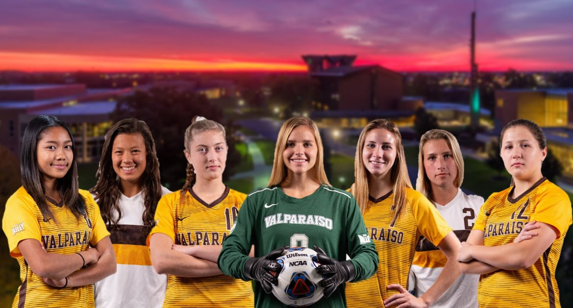 Valpo Women's Soccer Signs Seven to NLIs