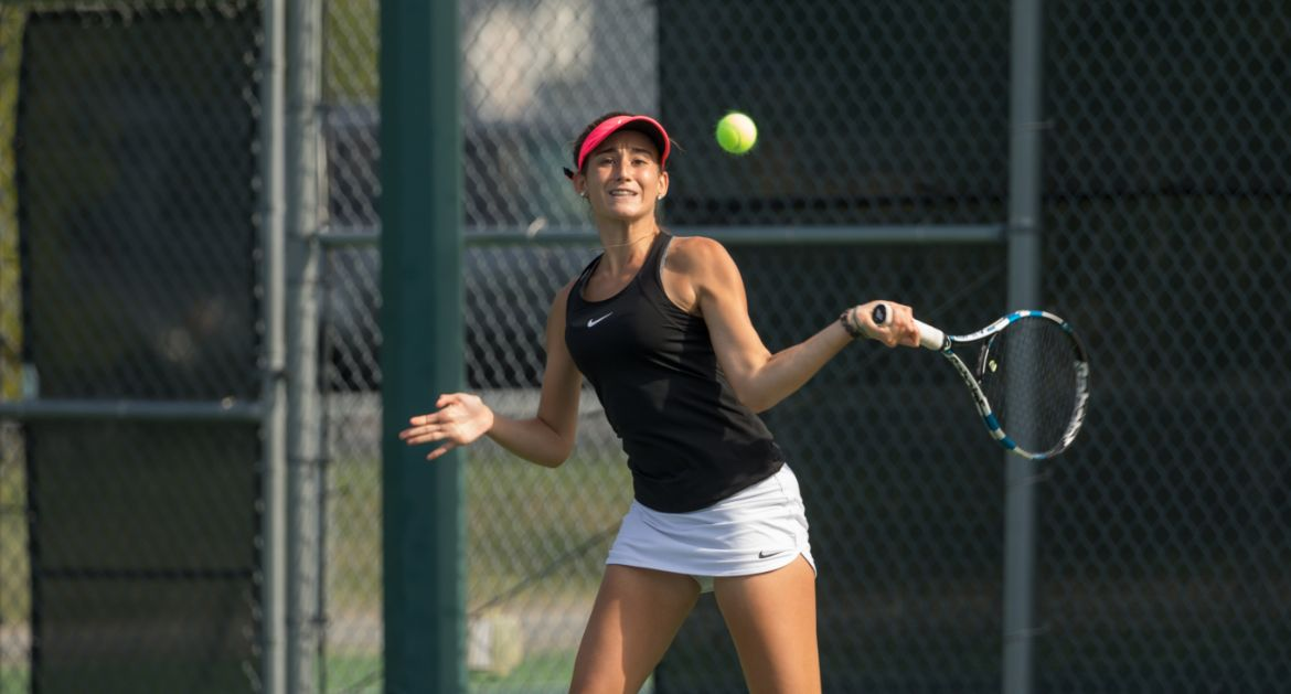 Three Valpo Singles Players, Two Doubles Tandems Advance in Main Draw of MVC Individual Championship