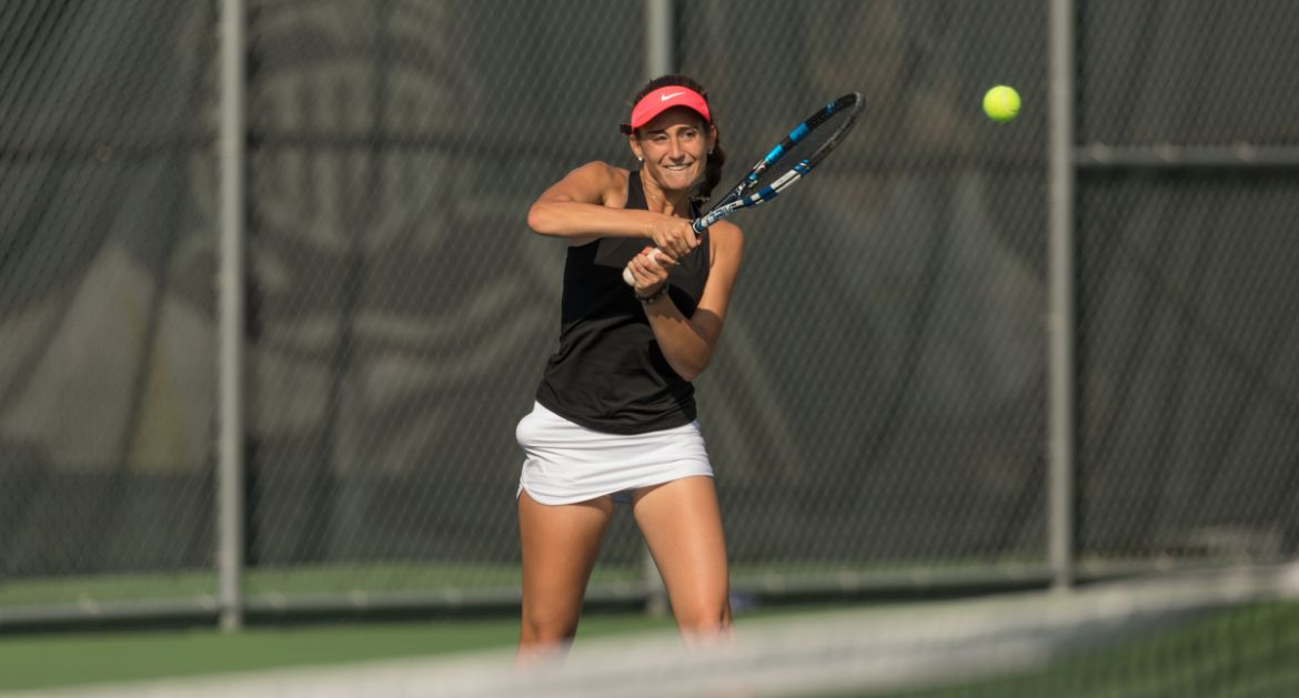 Two Singles Players, One Doubles Pair Advance to Finals in MVC Individual Championship