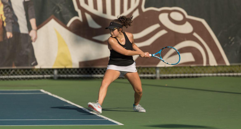 Women's Tennis Splits Singles in Match with Dayton