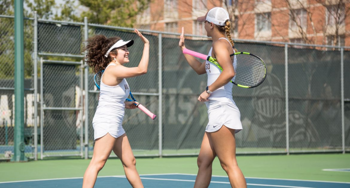 Strong Doubles Showing from Seniors Highlights Home Finale for Women's Tennis