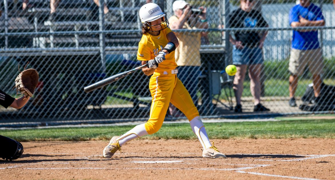 Softball Wins Pair of Games Saturday in Charlotte