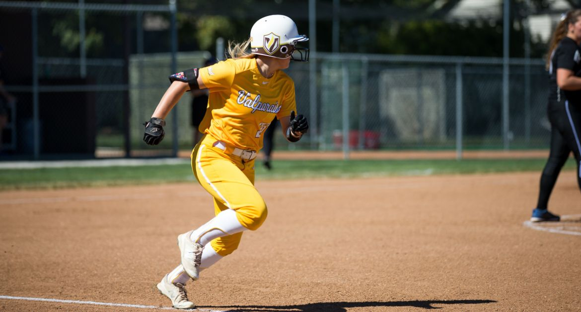 Softball Closes Bradley Series With Victory
