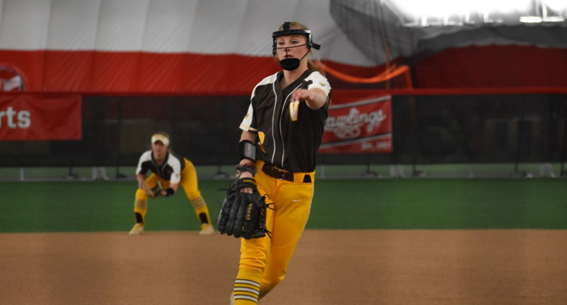 Softball Shuts Out Evansville in MVC Tournament Opener