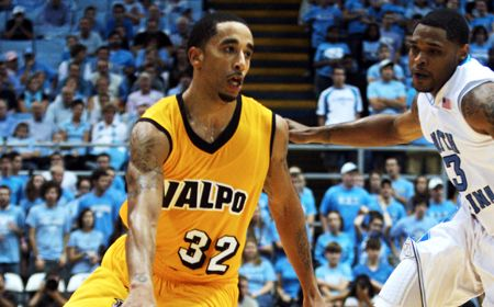 Valpo Falls to Late Comeback from IPFW