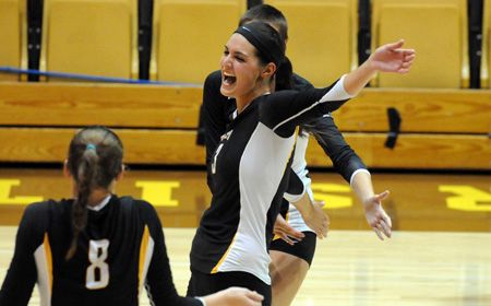 Crusaders Move On to HL Championship Match