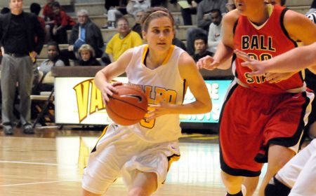 Crusader Women Close 2010 with Win at Eastern Illinois