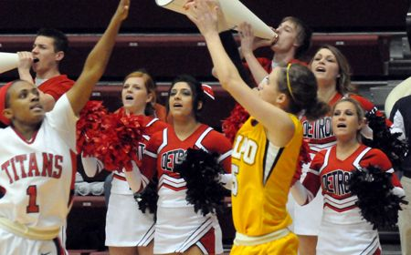 Crusaders Eliminated From Horizon League Tourney by Detroit