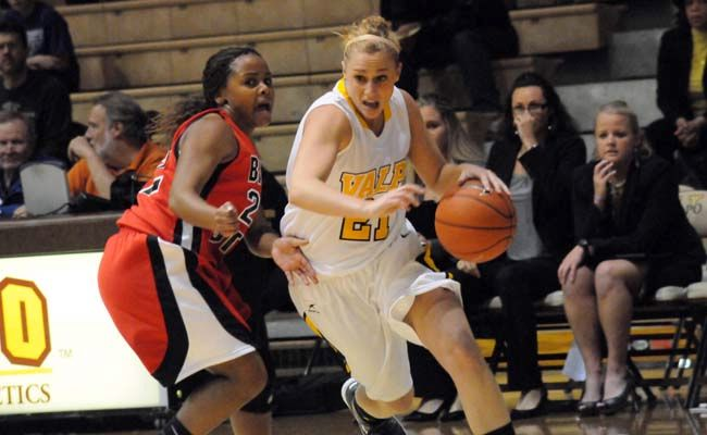 Valpo's Late Rally Comes Up Just Short