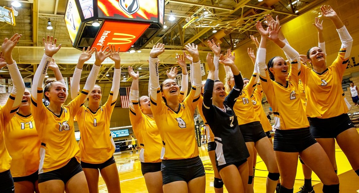 Valpo Wins Crusader Classic Title; Improves to 12-2