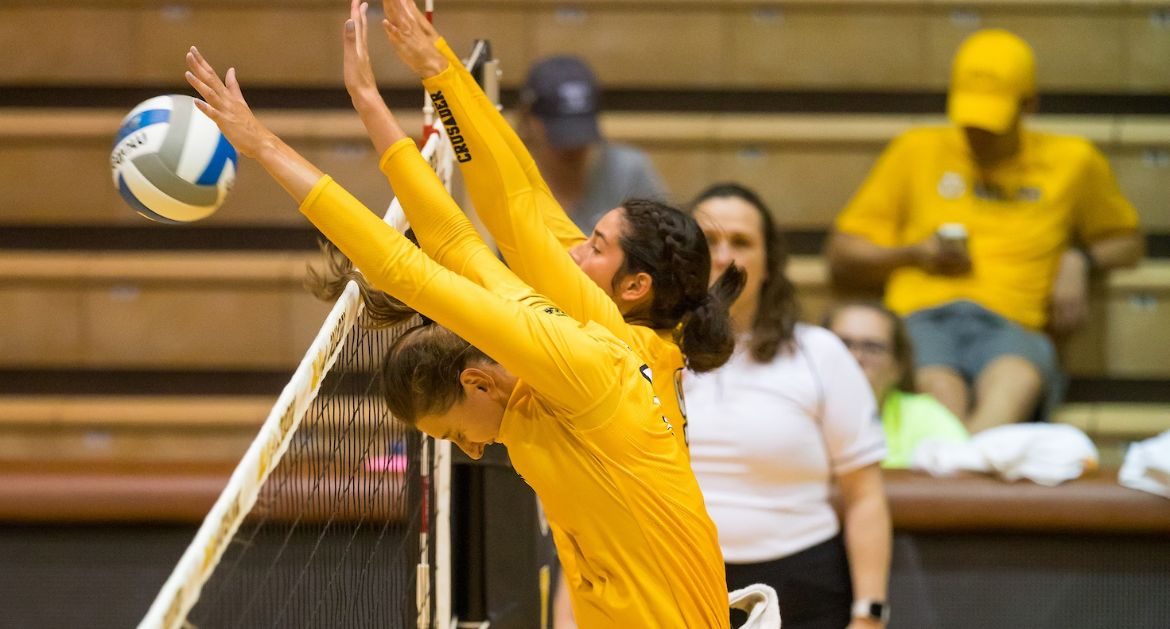Volleyball Closes Non-Conference Slate With Win at Purdue Fort Wayne