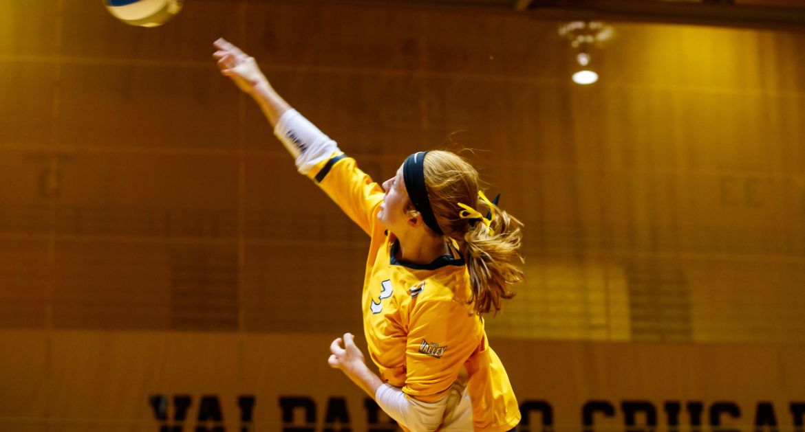 Carlson, Ketcham Reach Milestones as Valpo Sweeps Indiana State In MVC Opener