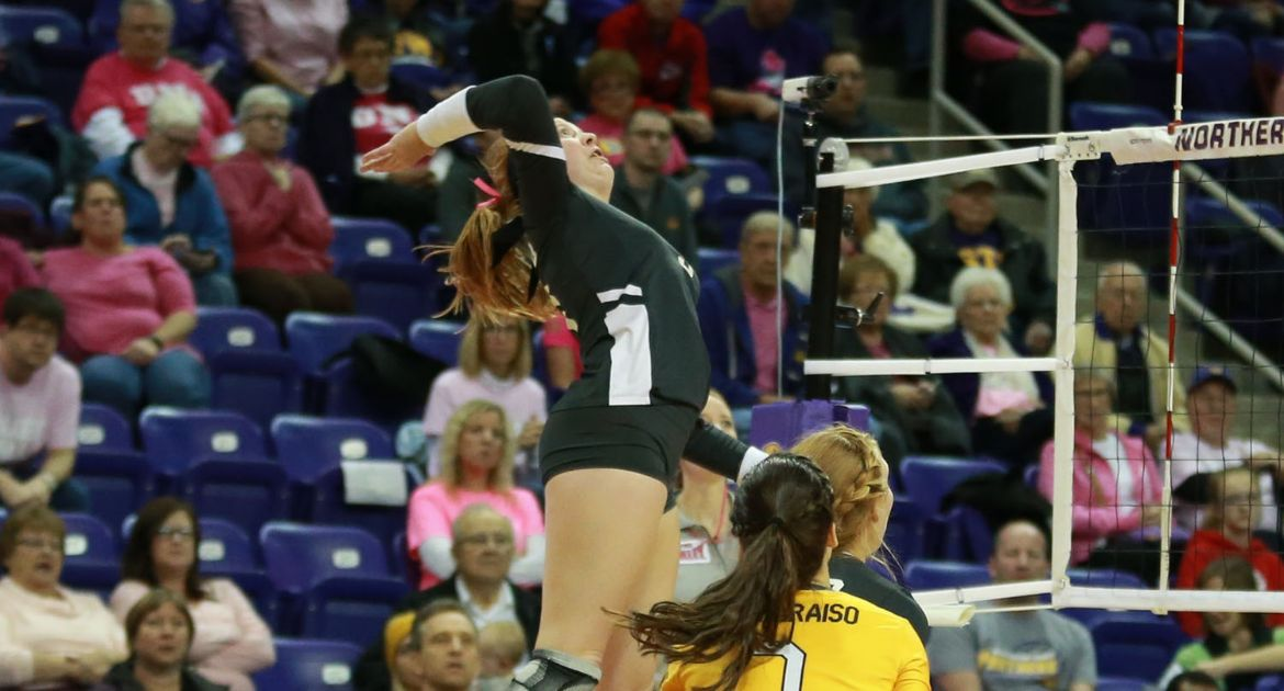 Carlson Cracks Top-10 In Kills As Volleyball Comes Up Just Short at UNI