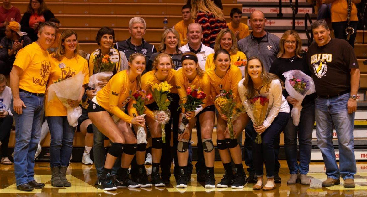 Volleyball Falls to Illinois State On Senior Night