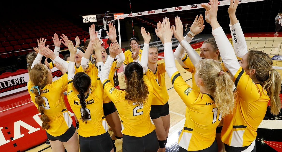 Valpo Volleyball Downs Ball State For First Postseason Win in Program History
