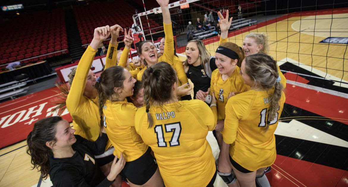 Volleyball Looks to Extend NIVC Run Thursday at Tulane