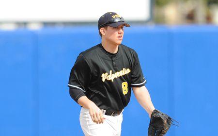 Valpo Baseball Wins Fourth Straight, Downs Wabash 14-6