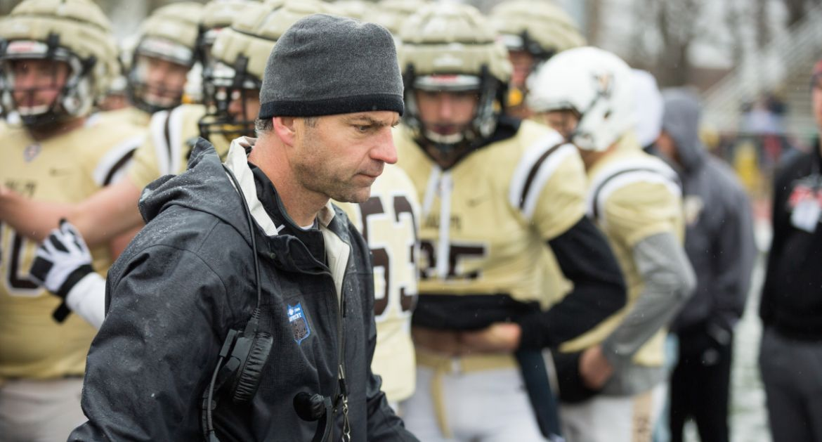 Valpo Football Adds 12 to Recruiting Class