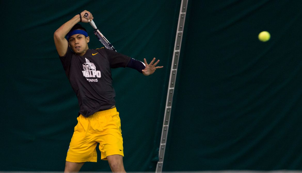 Men's Tennis Opens League Play in Style