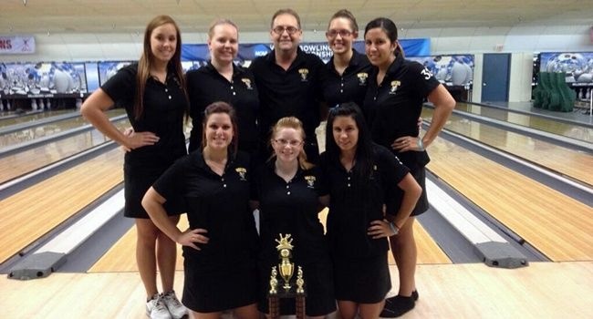Valpo Takes Third Place at Hawk Classic